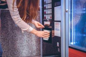 Dlaczego warto postawić automat w biurze?